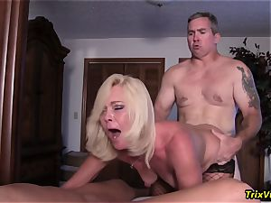 group pound the Stripper with Ms Paris Rose