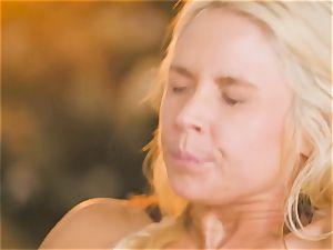 cougar Sarah Vandella entices super-hot babe Jojo kiss