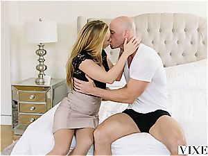 Carter Cruise gets multiple climaxes while her chief keeps ravaging her