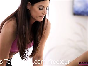 Step mummy interchanges jizm with teenager cutie Janice Griffith