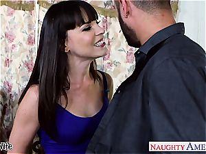 dark haired wife Dana DeArmond take bone