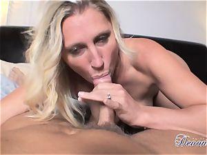 Devon Lee is enjoying her man's flog jammed in her sugary-sweet hatch