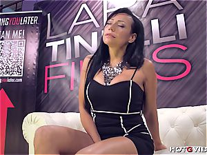 Latina Lara Tinelli busts all over her audience