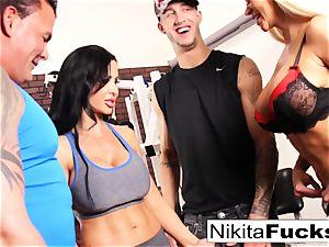 Nikita Von James joins a workout fucky-fucky