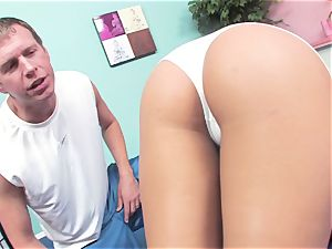beautiful Gracie Glam loosens a pulsating hard penis in her molten mouth