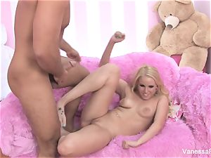 Interview and romping with blondie hottie Vanessa box