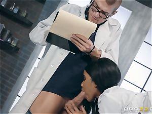 Jenna J Foxx tries out the fuck-fest machine