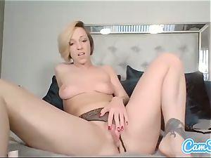 Buttplugged stunner frigs