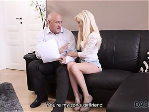 DADDY4K. nubile Candee Licious copulates with bf s stellar parent