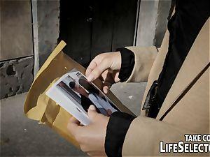 LifeSelector presents: muddy Cop