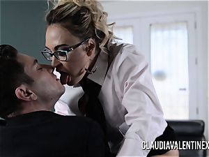 Claudia Valentine romped and creampied by her therapist