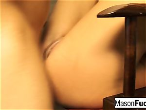 Mason Moore getting torn up in her putthsole