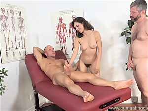 Jade Nile Has Her spouse fellate chisel and see Her
