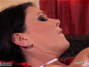Jessica Jaymes and Nikki shag each other, thick bumpers