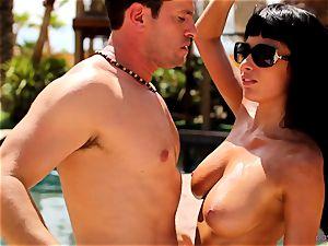 Anissa Kate strip her bikini to penetrate poolside
