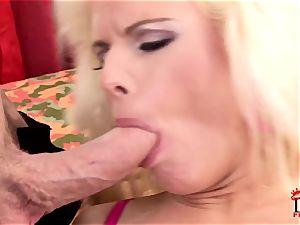 Victoria Rush stuffs her throat with hard jizz-shotgun