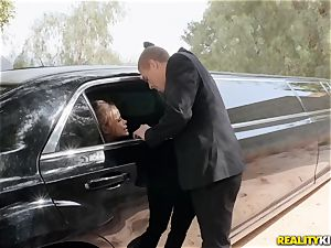 Jessa Rhodes boinked in the limo